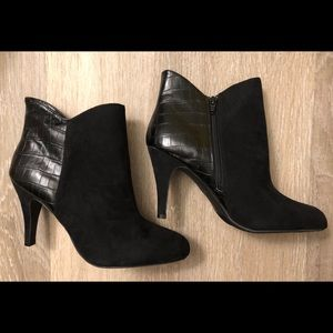Express Ankle Boots Faux Leather & Suede Size 9